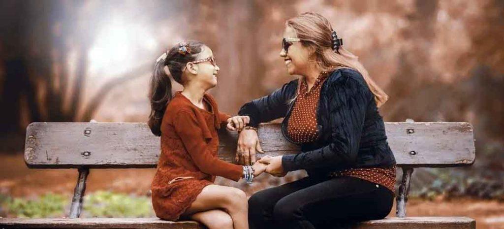 madre-e-hija-banco